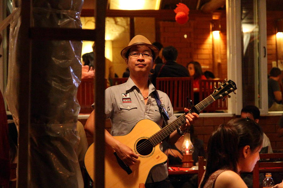 Chiang Photograph - Band At Palaad Tawanron Restaurant - Chiang Mai Thailand - 01133 by DC Photographer