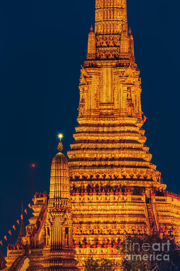 Bangkok Photograph - Bangkok 04 by Tom Uhlenberg