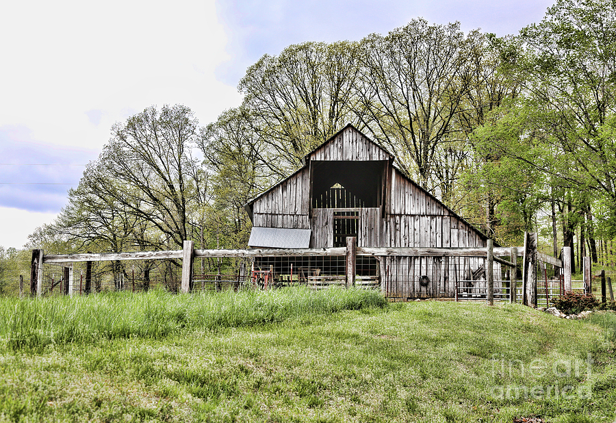 Tennessee Photograph - Barn II by Chuck Kuhn