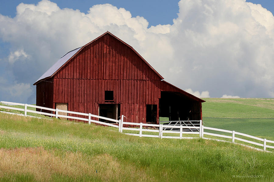 Red Barn Photograph - Barn Of The Palouse by Melisa Meyers