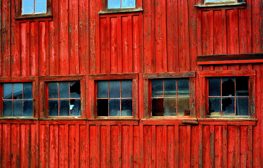 Red Photograph - Barn Windows by Mamie Gunning
