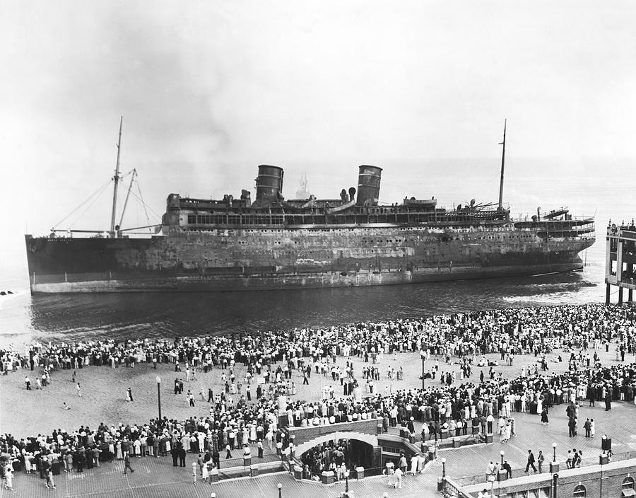 Beached Ss Morro Castle Photograph By Underwood Archives