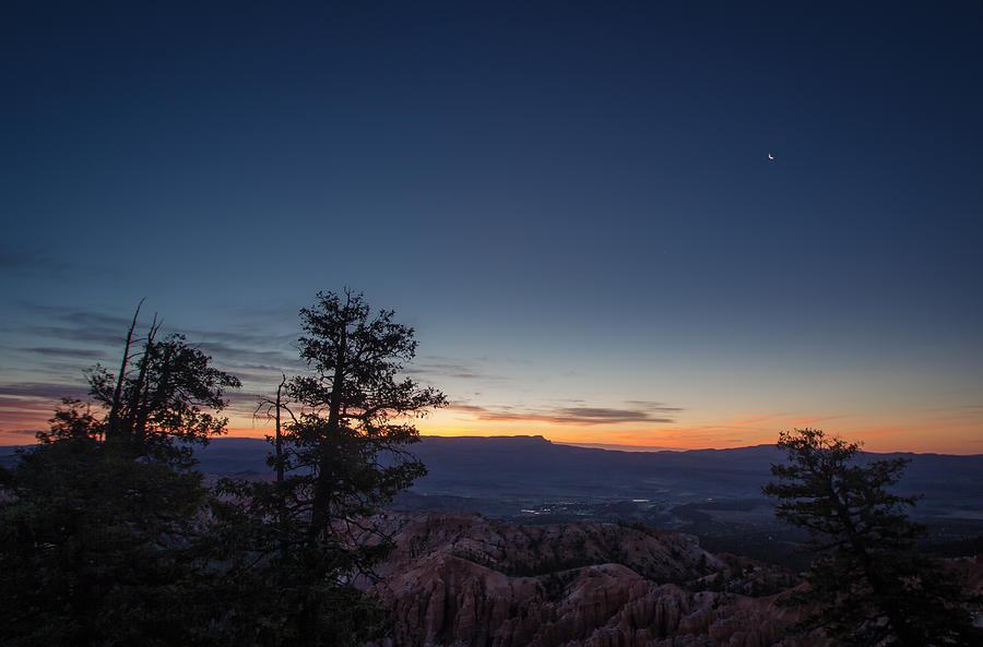Dawn at Bryce Canyon by Dwight Theall