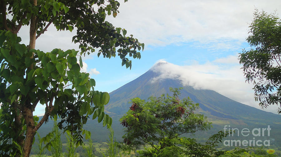Volcano Photograph - Beauty Of Mayon by Manuel Cadag