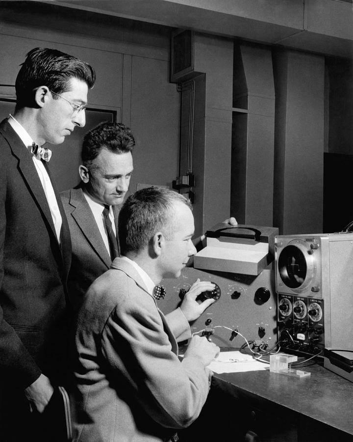 1957 Photograph - Bell Lab Scientists At Work by Underwood Archives