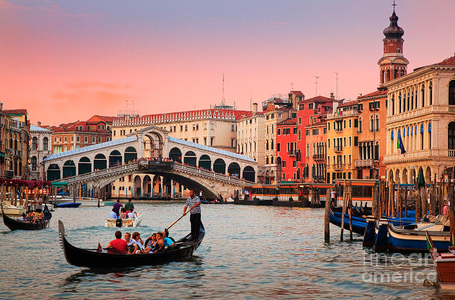Canal Grande Photograph - La Bella Canal Grande by Inge Johnsson