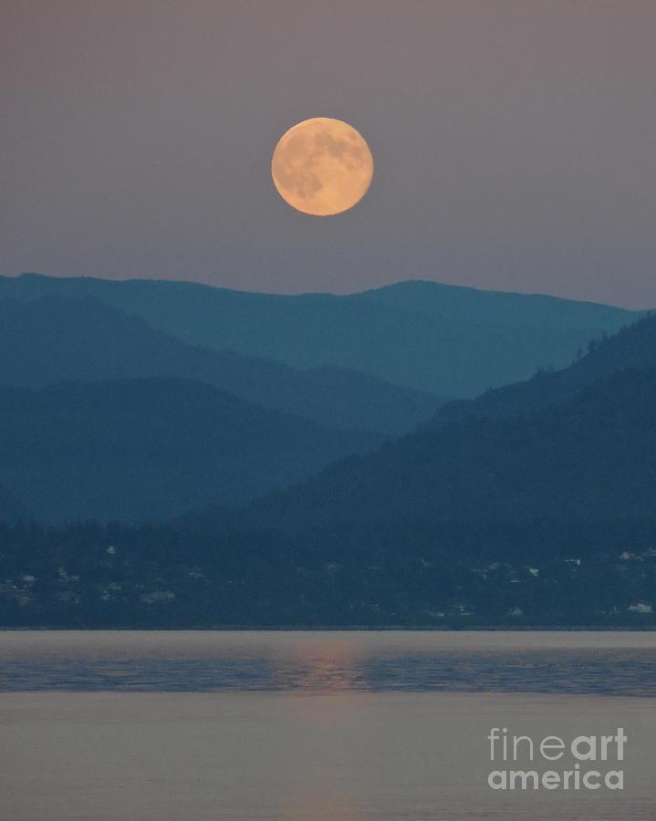 Landscape Photograph - Bellingham Bay Moonrise by A Cyaltsa Finkbonner