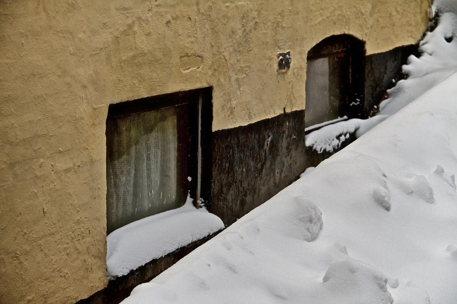 House Photograph - Below Zero by Odd Jeppesen