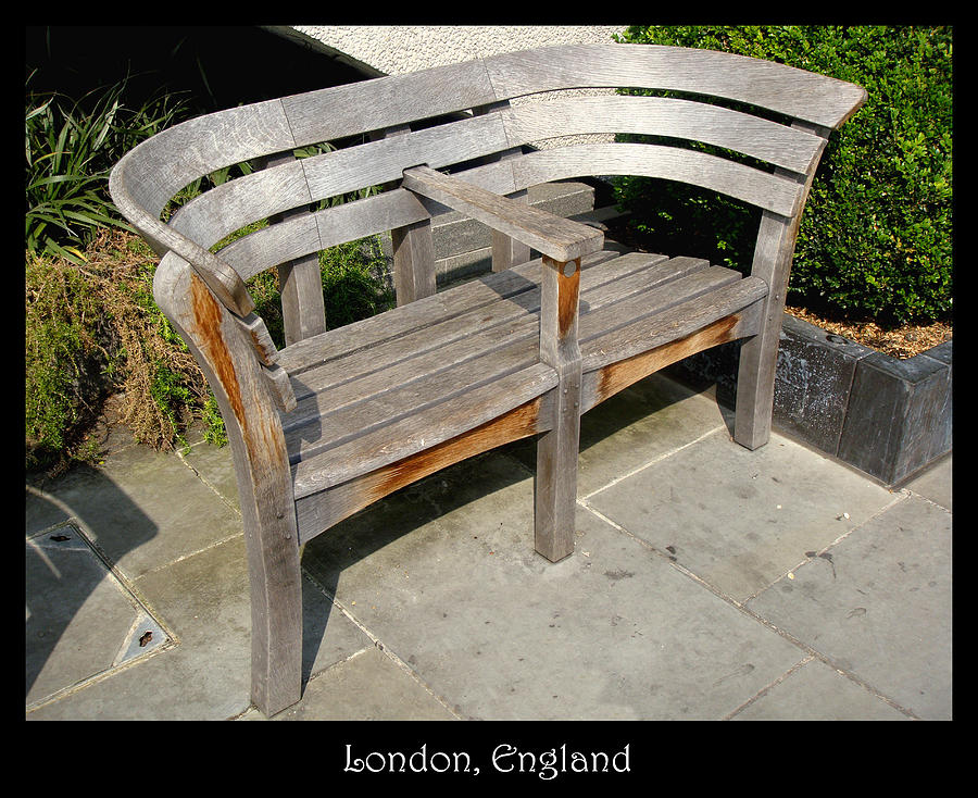 Bench Photograph - Bench 14 by Roberto Alamino