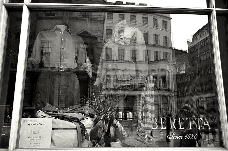 London Photograph - Beretta London by Andres LaBrada
