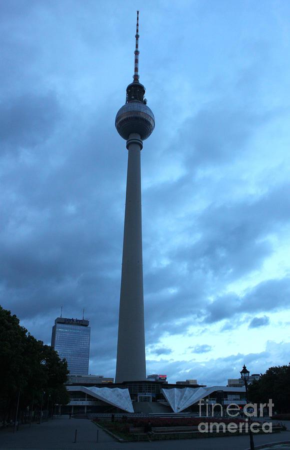Berlin Photograph - Berlin - Berliner Fernsehturm - Radio Tower No.02 by Gregory Dyer