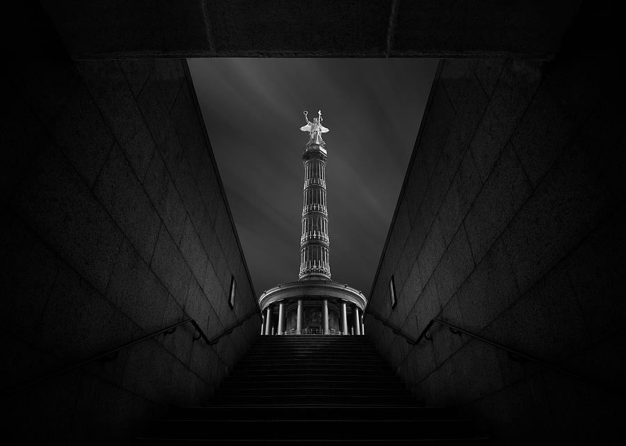 Berlin Photograph - Berlin Victory Column by Nadav Jonas