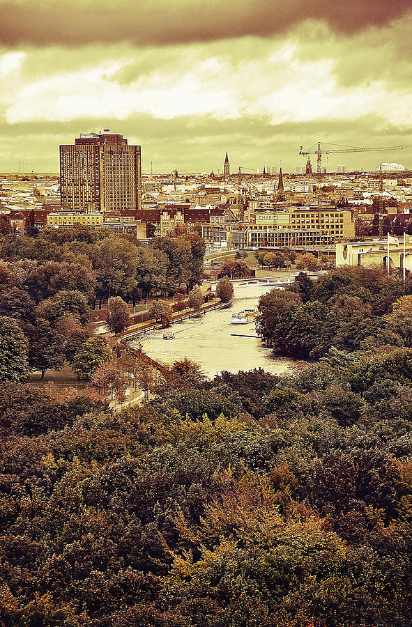 Autumn Photograph - Berlin / View by Gynt