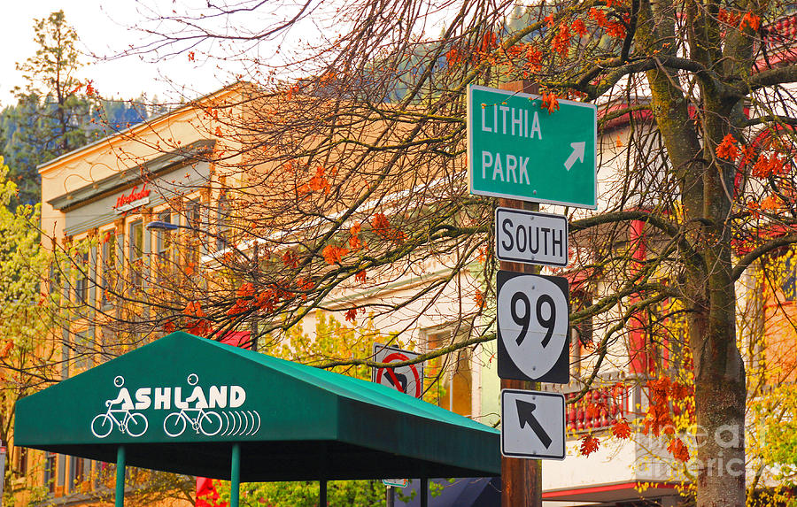 Ashland Photograph - Best Little Town In Oregon by Kris Hiemstra
