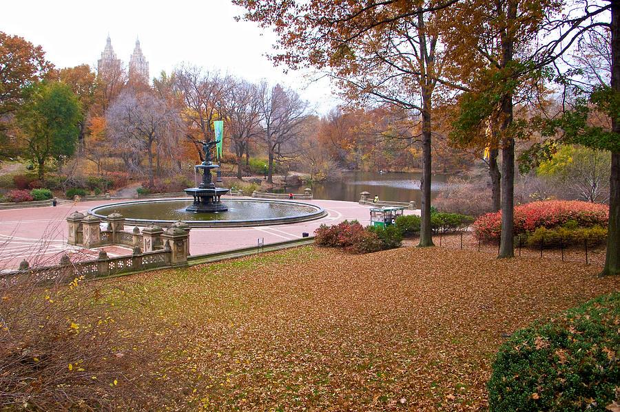 Bethesda Terrace Photograph - Bethesda Fountain by Cornelis Verwaal