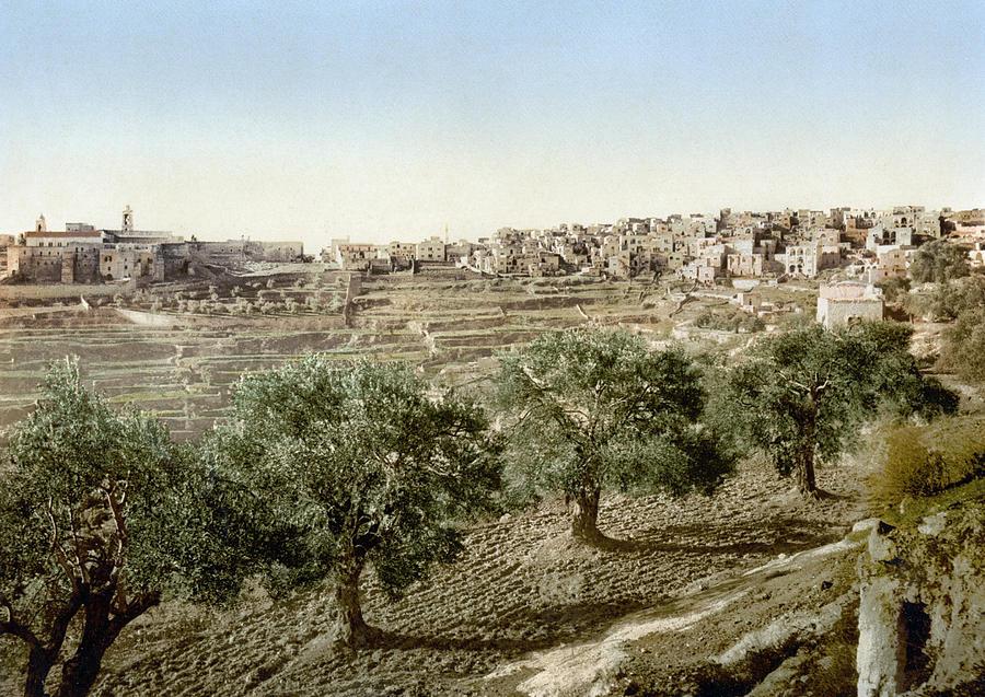 1895 Painting - Bethlehem Davids Well by Granger