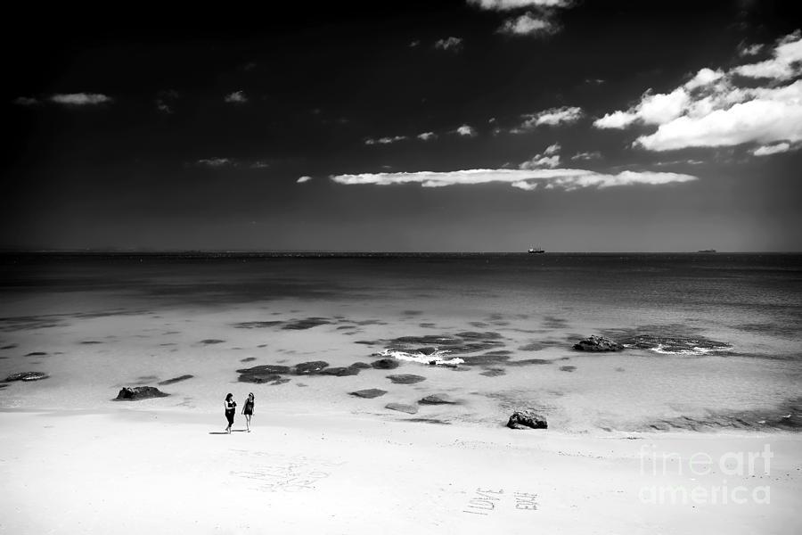 Between Friends Photograph - Between Friends by John Rizzuto