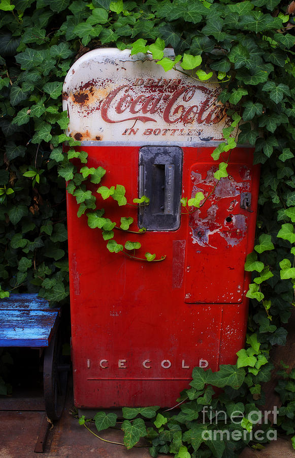 Austin Texas Photograph - Austin Texas - Coca Cola Vending Machine - Luther Fine Art by Luther Fine Art