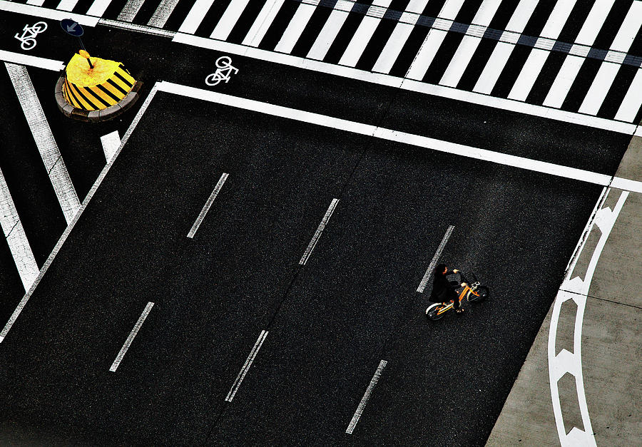 Yellow Photograph - Bicycle by Keisuke Ikeda @