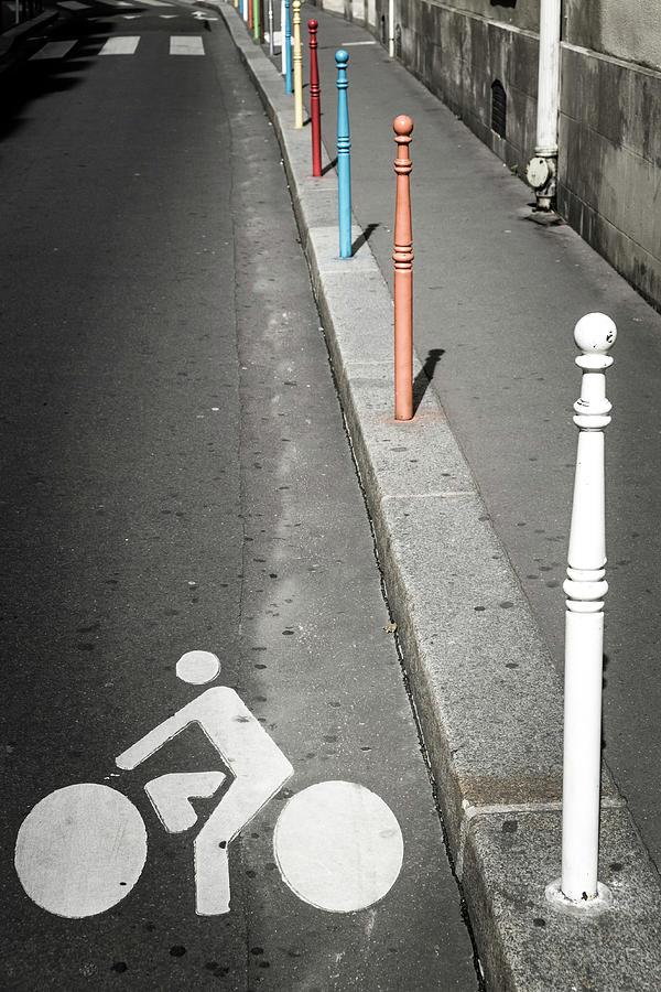 Bicycle Symbol In Paris Photograph by Carlos Sanchez Pereyra