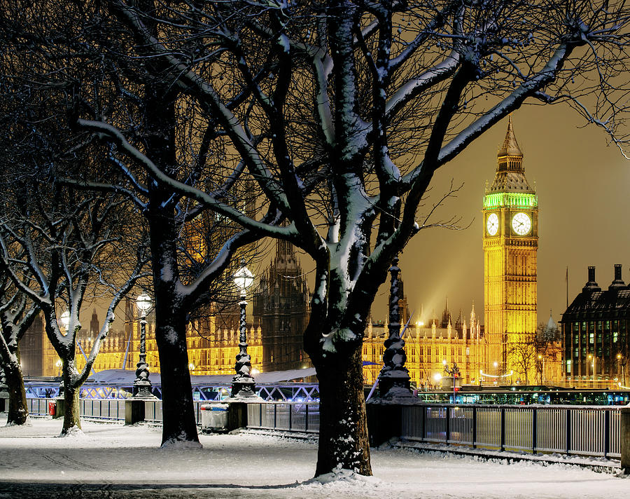 Big Ben And Houses Of Parliament In Snow Photograph by Shomos Uddin