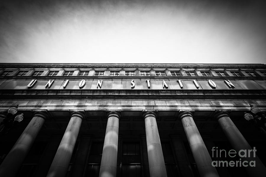 America Photograph - Black And White Chicago Union Station by Paul Velgos