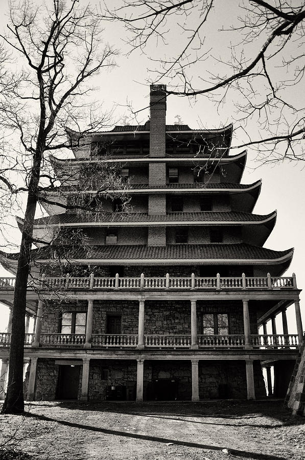 Black And White Photograph - Black And White Pagoda - Reading Pa by Bill Cannon