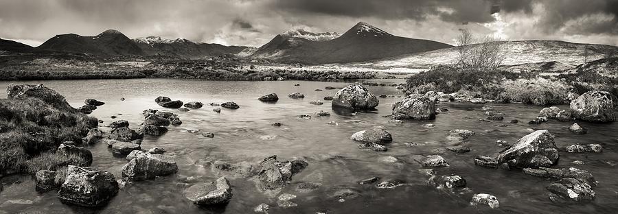 Ecosse Photograph - Black Mount From Rannoch Moor by Maciej Markiewicz