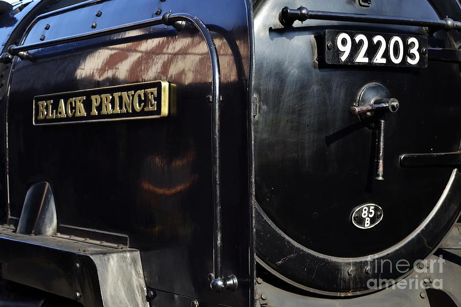 Poppy Line Photograph - Black Prince by Simon Pocklington