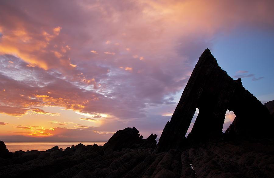 Blackchurch Rock Devon Photograph - Blackchurch Rock N Devon by Pete Hemington
