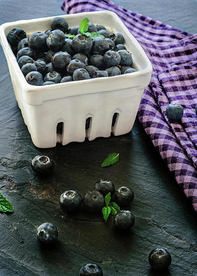 Blueberries Photograph by Sonia Martin Fotografias - Www.aquesabenlasnubes.com
