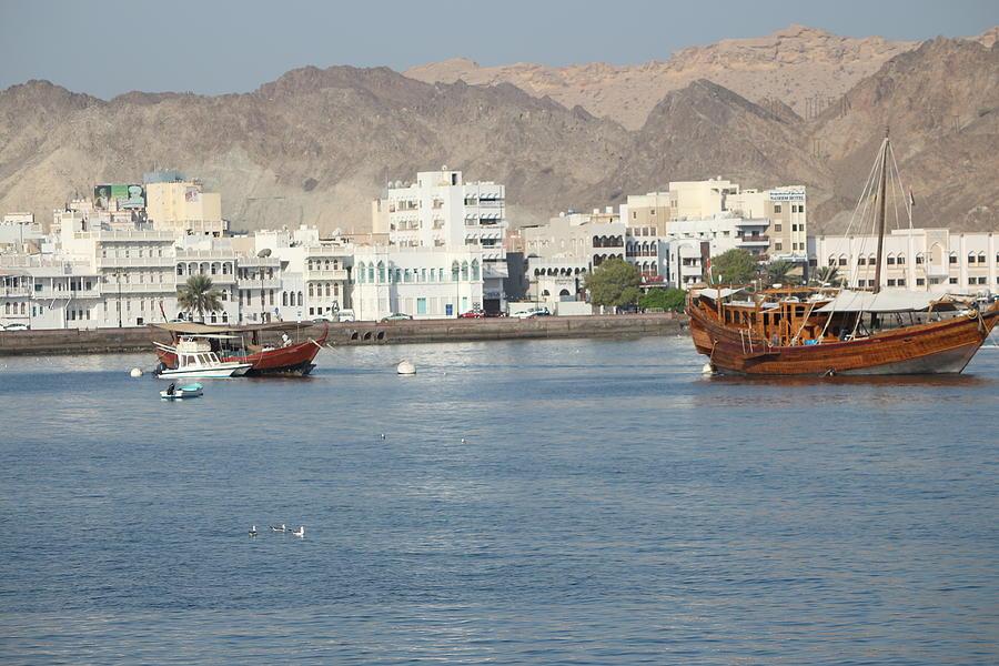 Boats At Muttrah Photograph by Ibrahim Albalushi