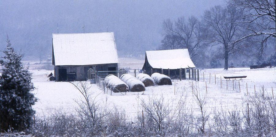 Ozarks Photograph - Bobbys Barn by Garry McMichael