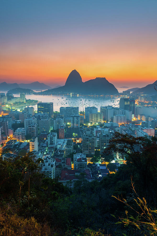 Botafogo Bay With Sugar Loaf At Sunrise Photograph by Flavio Veloso