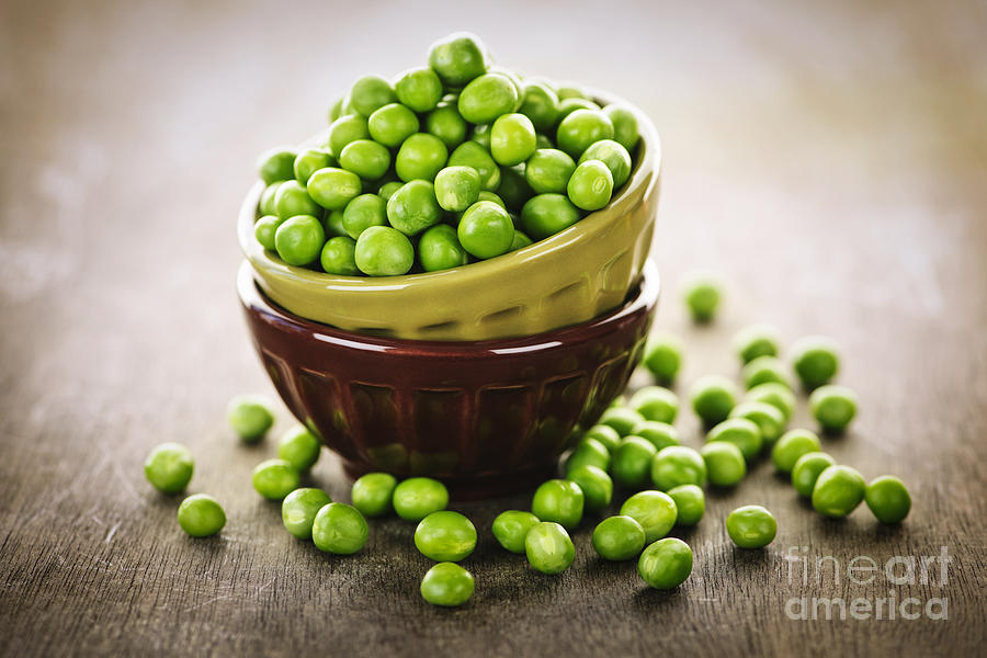 Peas Photograph - Bowl Of Peas by Elena Elisseeva