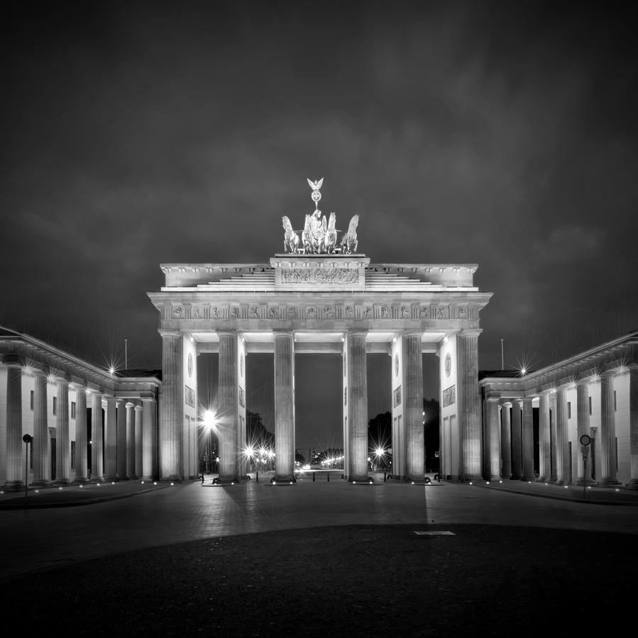 достопримечательности германии черно белые картинки дальнейших входах