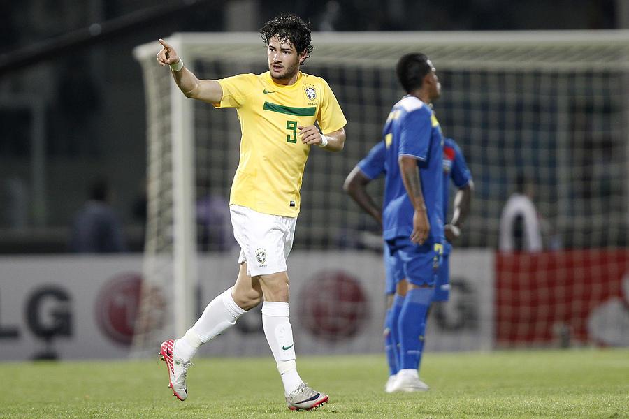 Brazil v Ecuador - Group B Copa America 2011 Photograph by Buda Mendes