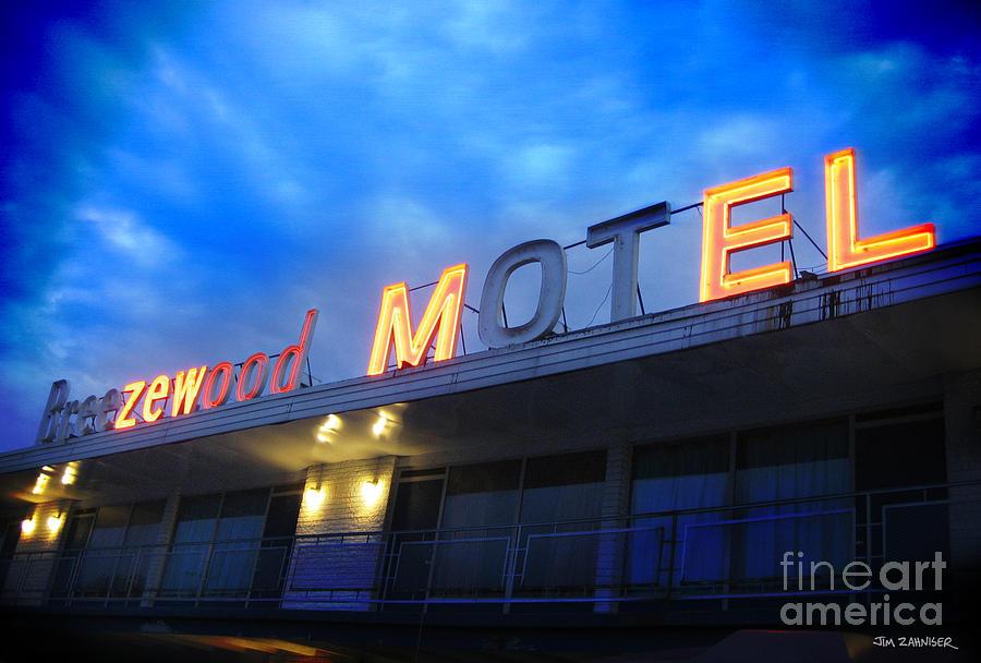 Turnpike Photograph - Breezewood Hotel by Jim Zahniser