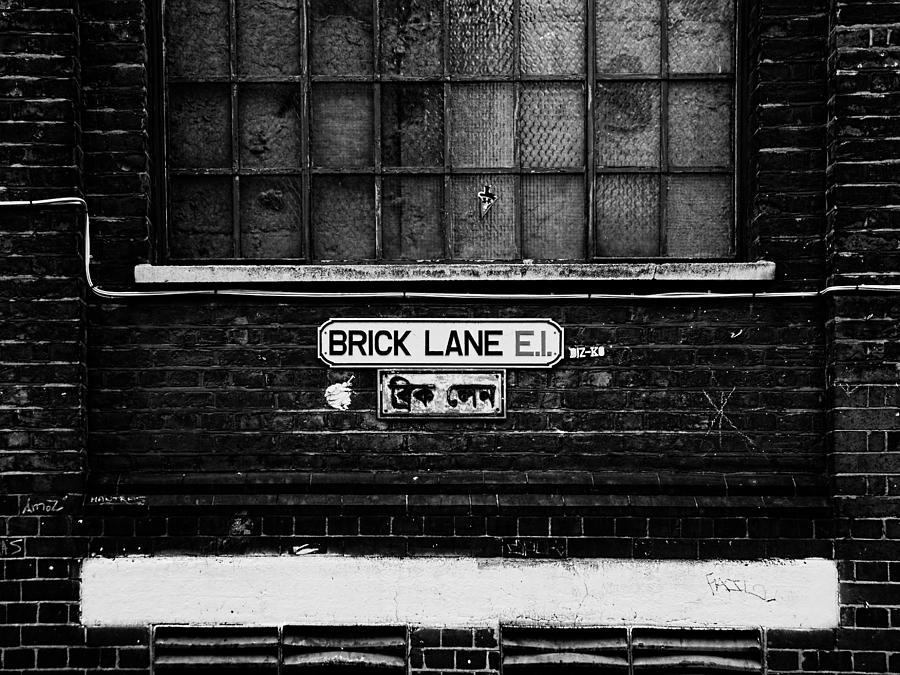 Brick Lane / London by Osvaldo Hamer