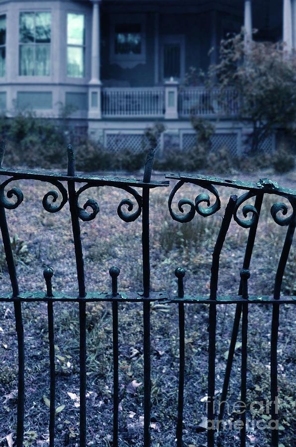 broken fence warning announcement - photo #16