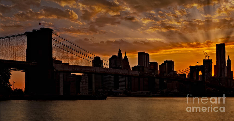 Brooklyn Photograph - Brooklyn Bridge Sunset by Susan Candelario