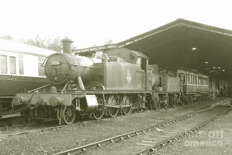 South Photograph - Buckfastleigh Shed by Rob Hawkins