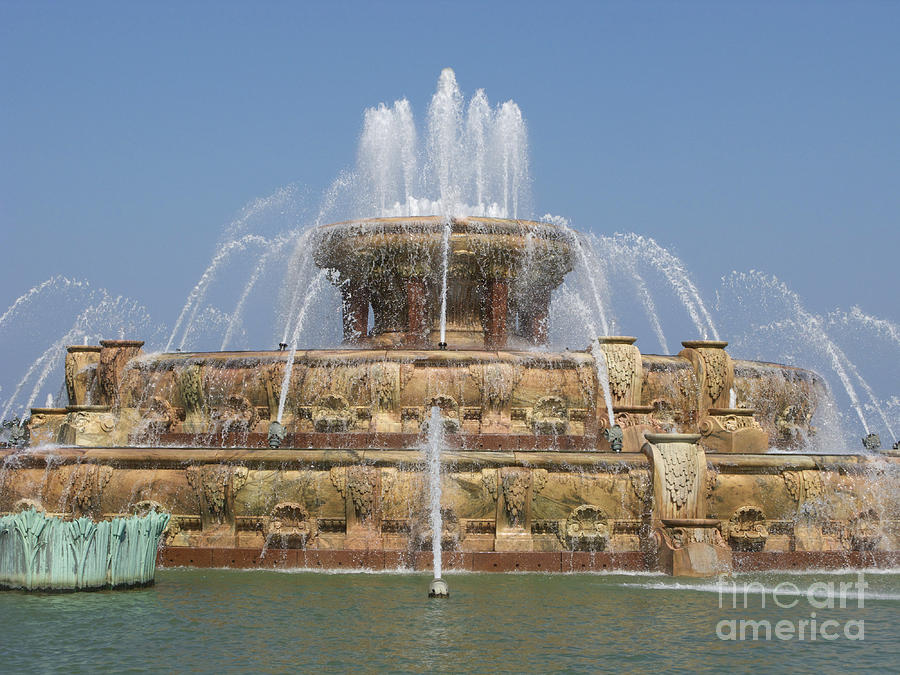 Chicago Photograph - Buckingham Fountain - Chicago by Ann Horn