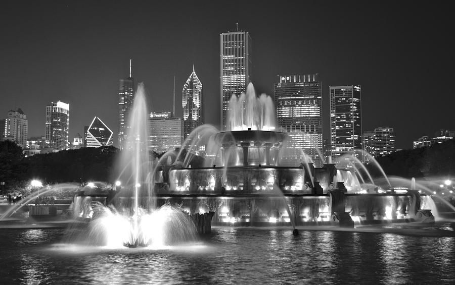 Buckingham Fountain Night Black And White Photograph By