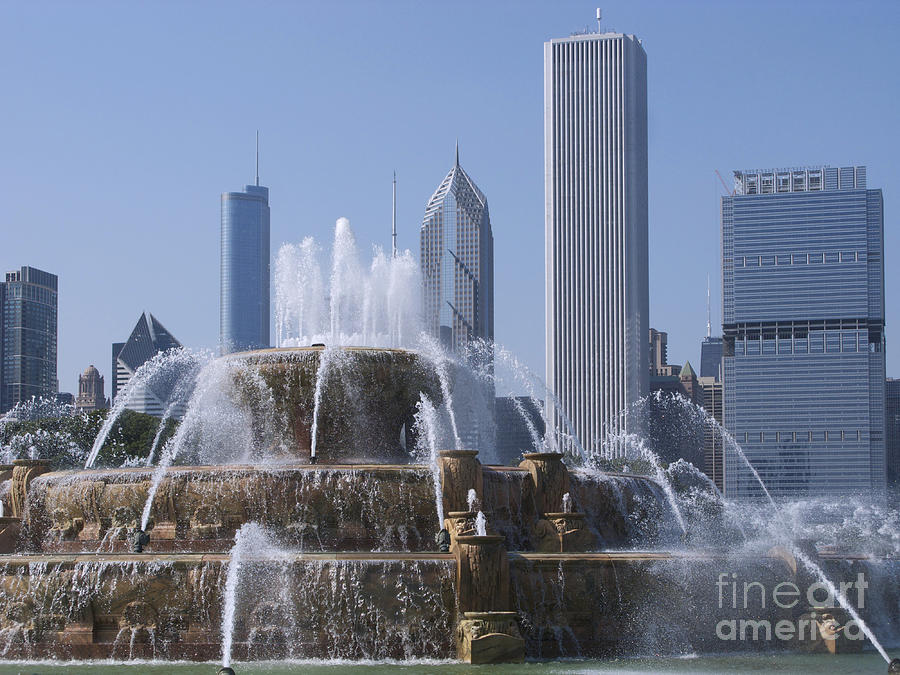 Chicago Photograph - Buckingham Fountain Revisited by Ann Horn
