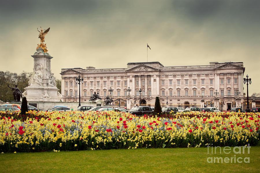 Buckingham Photograph - Buckingham Palace In London Uk by Michal Bednarek