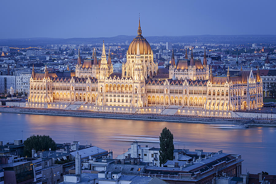 Budapest Parliament At Night Photograph by Pedre
