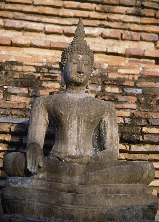 Sukhothai Photograph - Buddha Statue Outside Thai Temple by Richard Berry