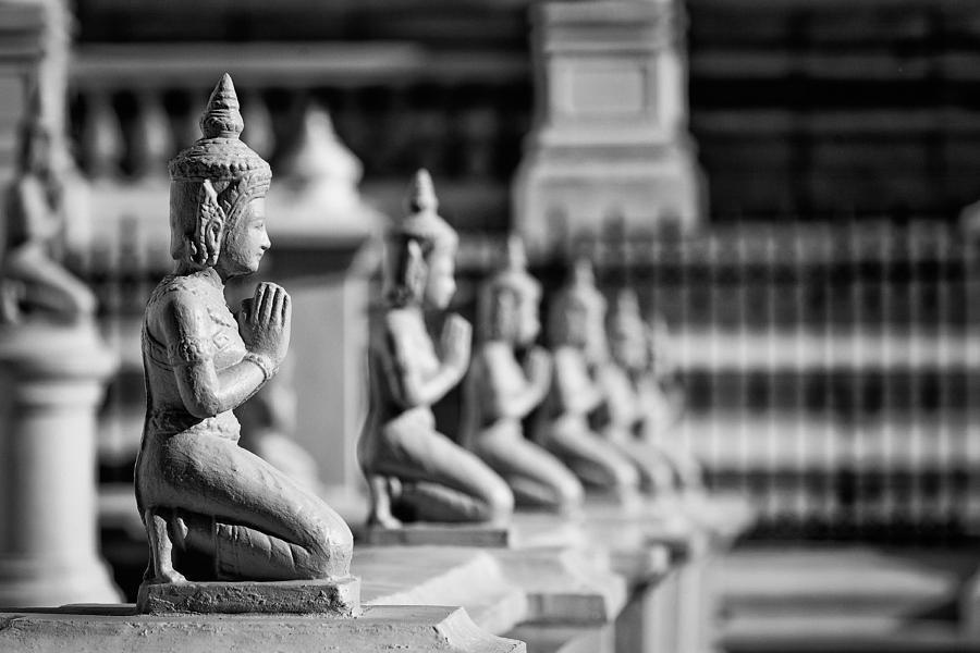 Buddhas by Stefan Nielsen