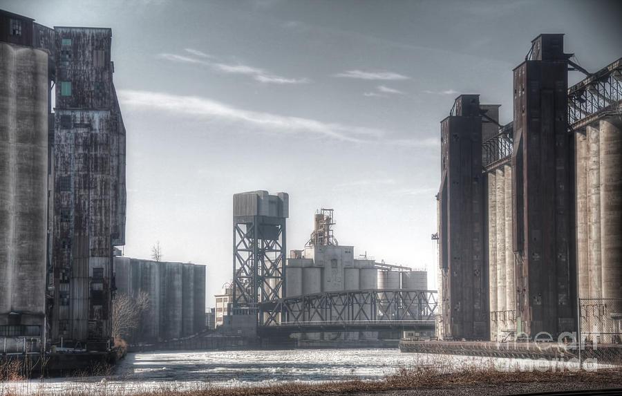 Buffalo Ny Photograph - Buffalo Grain Mills by Jim Lepard
